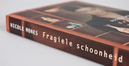 Fragiele schoonheid – Nicole Mones